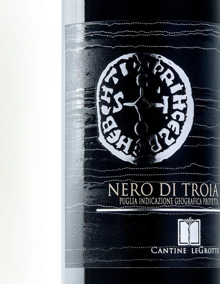 sico-nero-di-troia-cantineLeGrotte-02