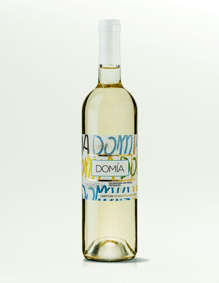 domia-bianco-frizzante-cantineLeGrotte-01